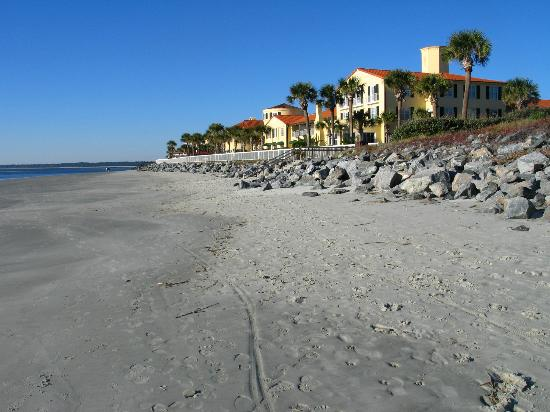 The King and Prince Beach and Golf Resort: You can walk on this beach for miles!