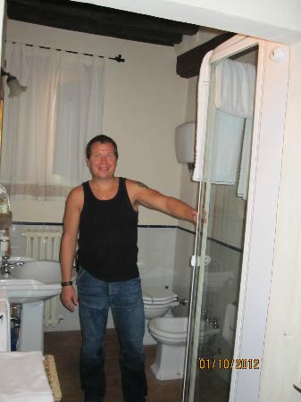 Via Della Stella: Badeværelset