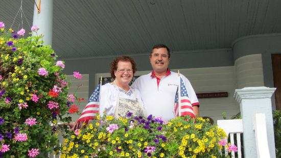 Pine Bush House Bed & Breakfast: Barbara and Mark!