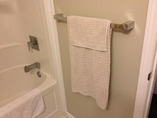 Boardwalk Homes Executive Guest Houses & SUITES!: Discoloured Rough Towels