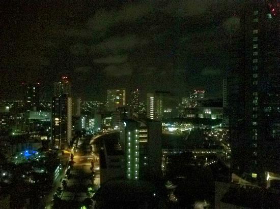 Rafre Saitama : 窓外の夜景