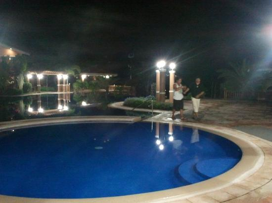 Estrellas de Mendoza Playa Resort: night view