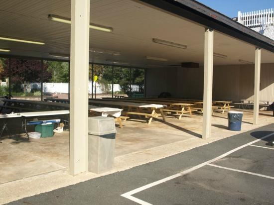 Seashore Campsites & RV Resort : Covered Pavilian