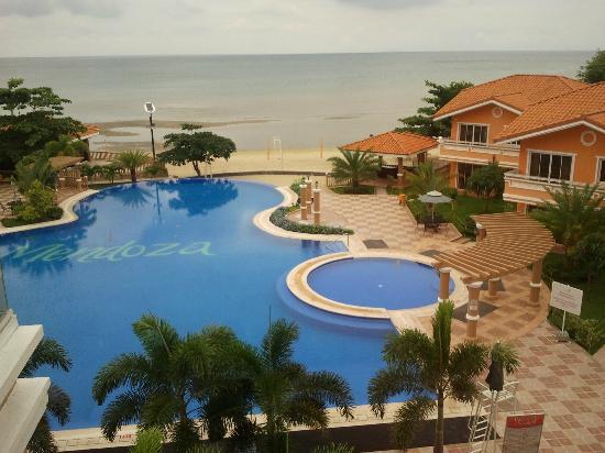 Estrellas de Mendoza Playa Resort: scenic pool 