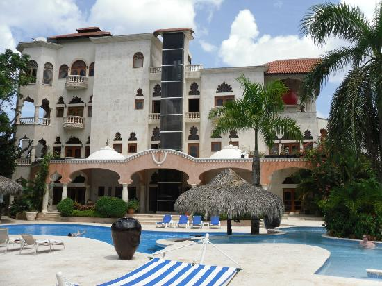 The Palace at Playa Grande: Taken from the pool area.