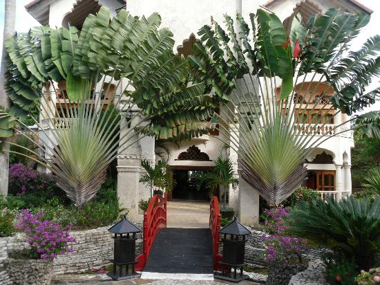 The Palace at Playa Grande: The Palace's entrance