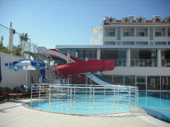 Dalaman Airport Lykia Resort Hotel : wish these flumes had been switched on