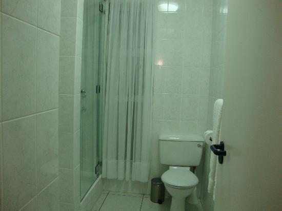 Diaz 15: Banheiro