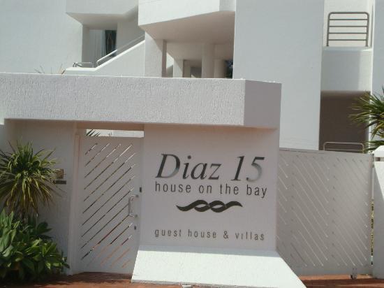 Diaz 15: Hotel