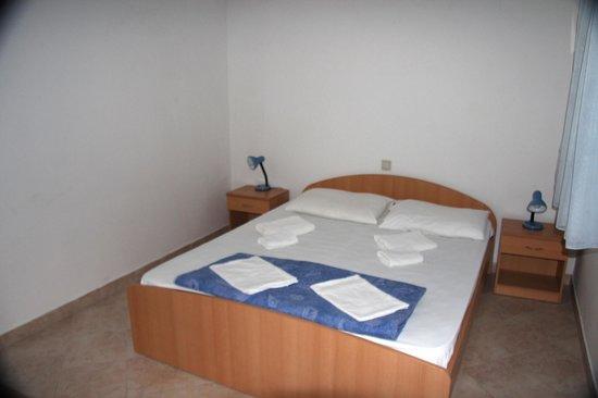 Lina Apartments: Bedroom