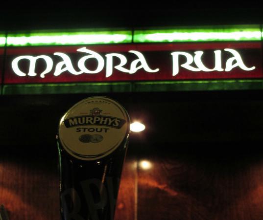 Madra Rua Irish Pub: Stained Glss