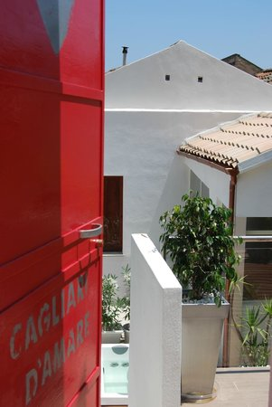 Cagliari D'Amare : ingresso