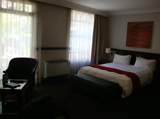 Court Classique Suite Hotel: Quarto