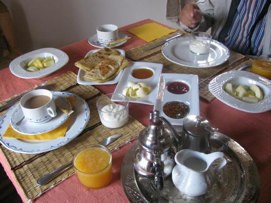 Chez Pierre : la nostra colazione con la marmellata di fichi fatta in casa!!!!!!!!!