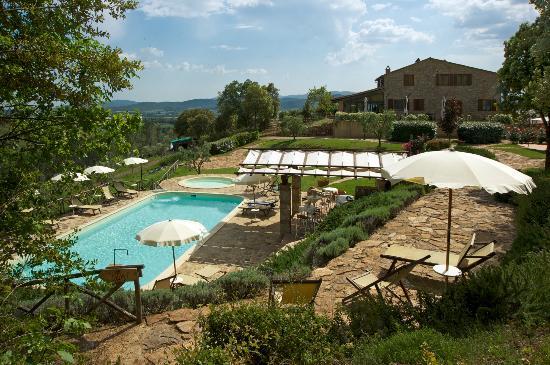 Tenuta Casteani Wine Resort: La Corte