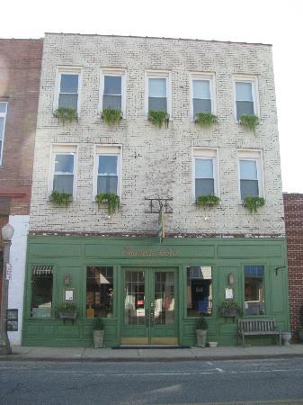 The Charlotte Hotel & Restaurant: The Charlotte Hotel