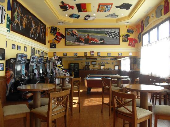 Hotel Riu Palace Aruba: 24hrsportsbar