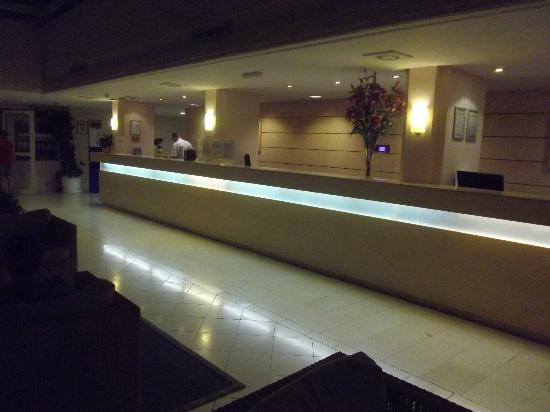 Valamar Argosy Hotel : la reception ...la nuit