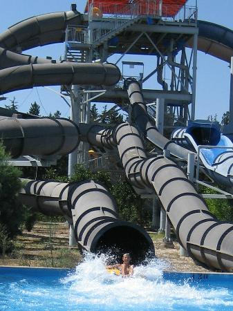"Fasouri Watermania Water Park: ""X-treme горки"""