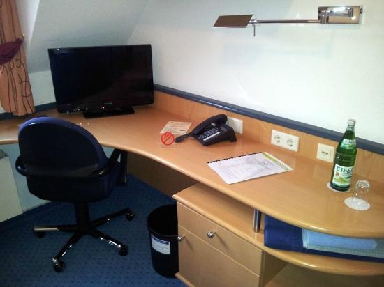 Tagungshotel Eifelkern: Schreibtisch