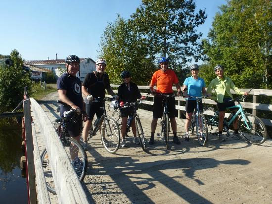 L petit Train du Nord Cycling Route: Random cycling group site seeing enroute