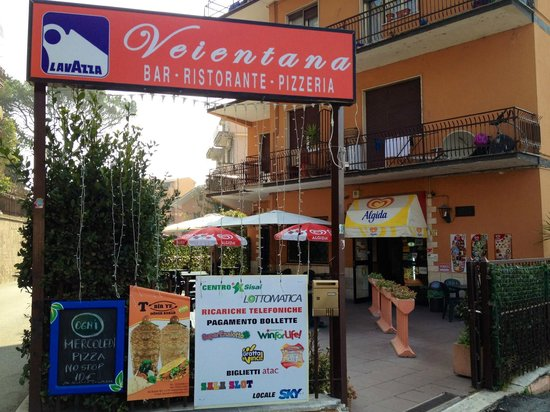 Tavoli esterni - Foto di Bar Ristorante Pizzeria Veientana, Roma ...