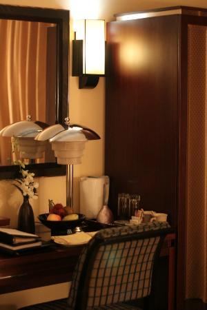 La Residence Hue Hotel & Spa: Dressing table