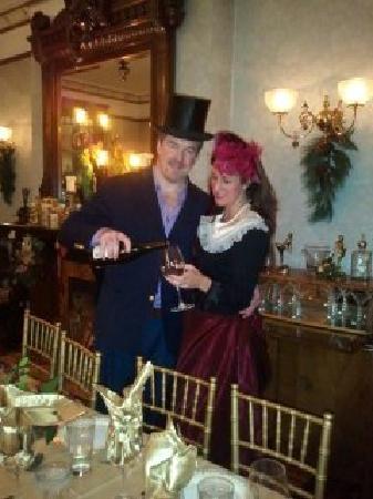 Baker House Hotel : Join Us for Thanksgiving Dinner