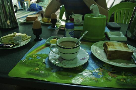 Breeze Guest House: Desayuno