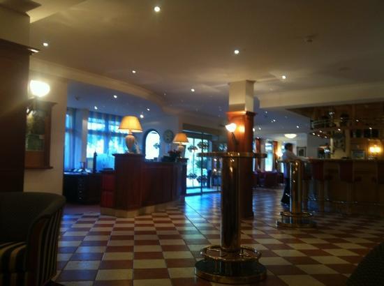 Eurotel Victoria: hall