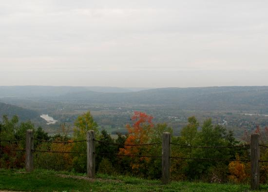 Finger Lakes : Fall Foilage is everywhere you go NY - PA
