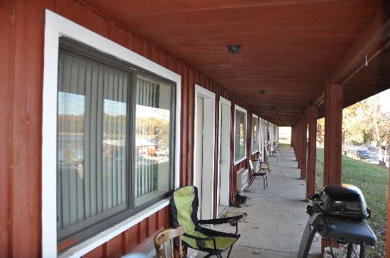 Harris Brake Lake Resort: The motel rooms