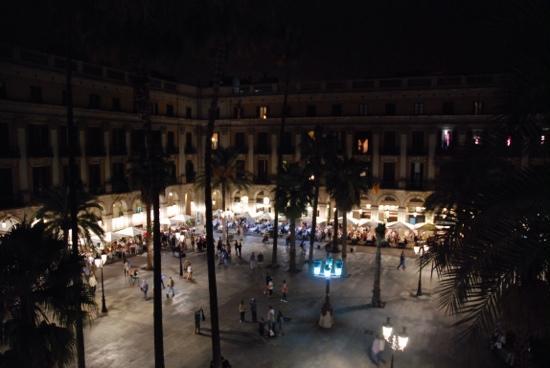 Hotel DO: aus der Suite auf Plaça Reial