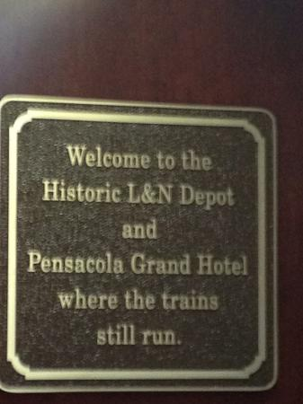 Pensacola Grand Hotel: Yep. And they will keep you up all night.