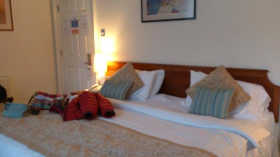 Staunton Hotel: Triple room - King bed