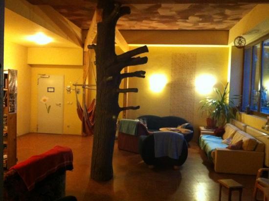 Kangaroo-Stop Hostel: nice and cozy lobby in kangaroo stop