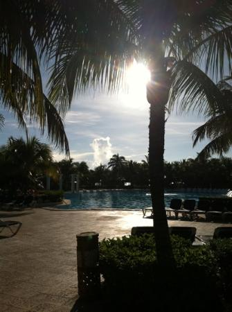 Grand Palladium Kantenah Resort & Spa: The pools are beautiful.