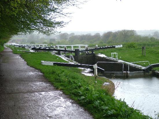 Caen Hill Locks: The top lock at Devizes
