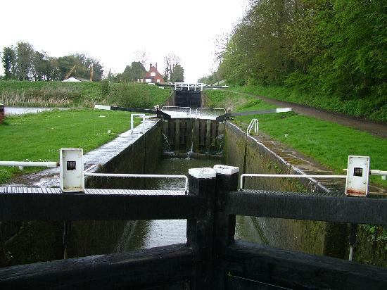 Caen Hill Locks: One of the locks