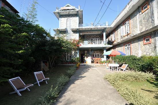 Karma Guest House: Entrance