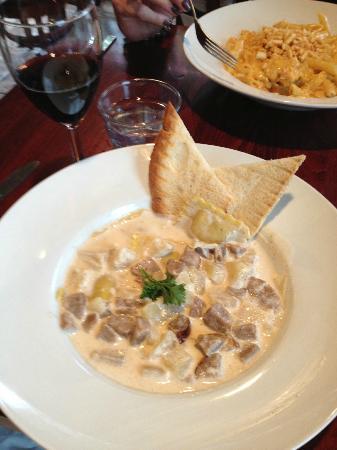 "Ballou's Restaurant & Wine Bar: Butternut Squash Ravioli... ""de-lish""!!!"