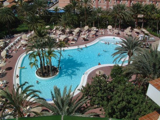 Aparthotel Riu Flamingo: pool view from 4th floor