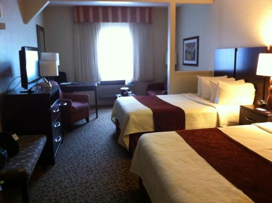 Best Western Plus Westchase Mini-Suites : great room!