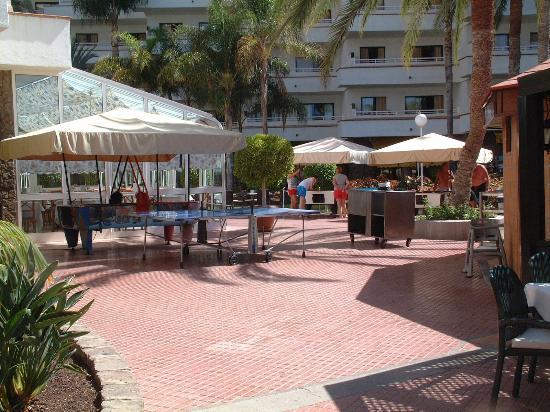 Aparthotel Riu Flamingo: Rear of Pool Bar