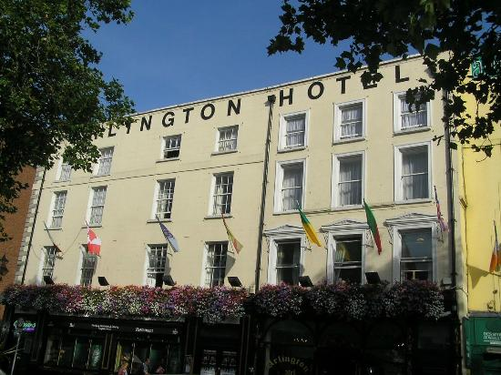 ‪‪Arlington Hotel O'Connell Bridge‬: View of hotel from outside