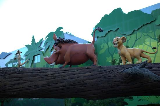 Disney's Art of Animation Resort: Lion King area