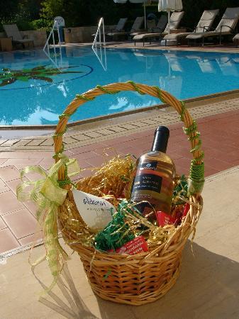 Aldemar Royal Mare Thalasso Resort: Present from hotel