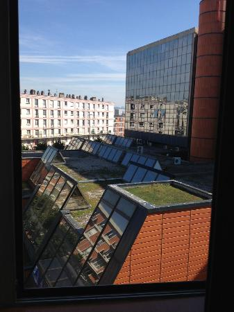 Mercure Le Havre Centre Bassin du Commerce : View from the room