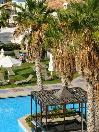 Aldemar Royal Mare Thalasso Resort: Main pool