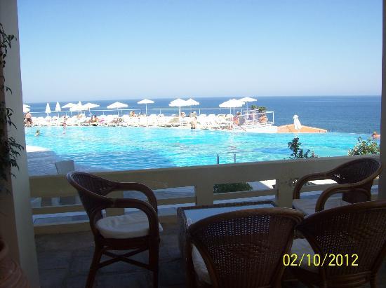 Panorama Hotel - Chania: The pool area